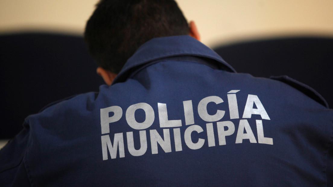 Detienen a siete policías municipales en México por su presunta vinculación con la desaparición de una familia que estaba de vacaciones