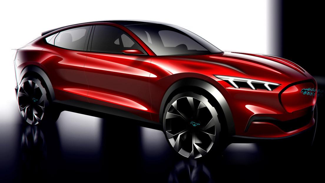 Un usuario de un Ford Mustang Mach-E eléctrico recibe amenazas de fanáticos de Tesla por alabar demasiado a su coche