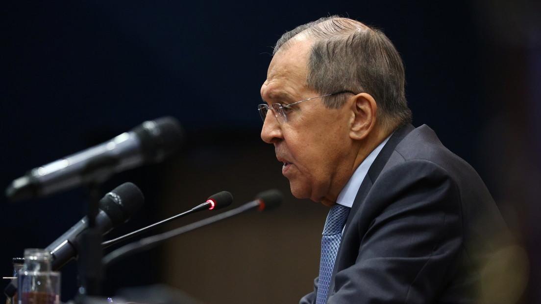 """Lavrov dice que incluso en EE.UU. admiten que la política de sanciones de Washington contra Rusia es """"estúpida"""" y no trae ningún resultado"""