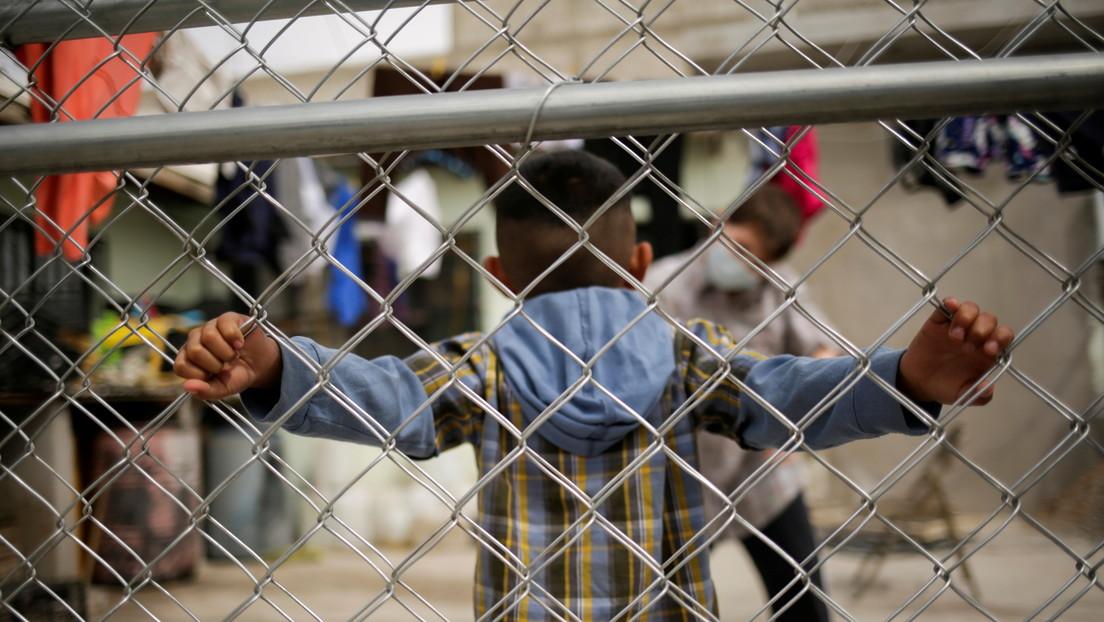 El gobernador de Texas exige el cierre de una instalación para niños migrantes después de denuncias de abusos sexuales
