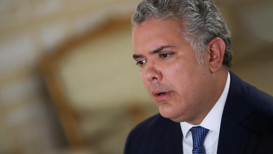 ¿Hay un divorcio entre el uribismo y el presidente de Colombia? El intento de subir los impuestos del café y el azúcar podrían tener la respuesta