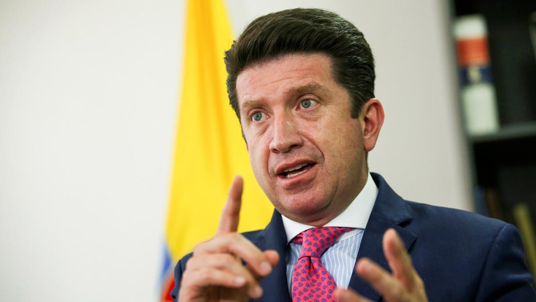 Ministerio de Defensa de Colombia firma un millonario contrato de asesoría comunicacional: ¿por qué es polémico?