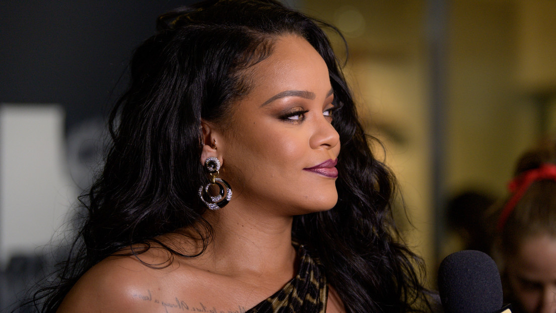 La inolvidable sorpresa de Rihanna a una fan en su día: le canta el 'Feliz cumpleaños' en pleno restaurante (VIDEO)