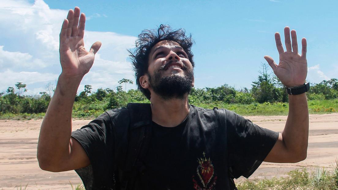 Sobrevive a un accidente aéreo en la Amazonía brasileña, pasa 38 días en la selva, pierde 25 kilos, pero consigue encontrar su salvación