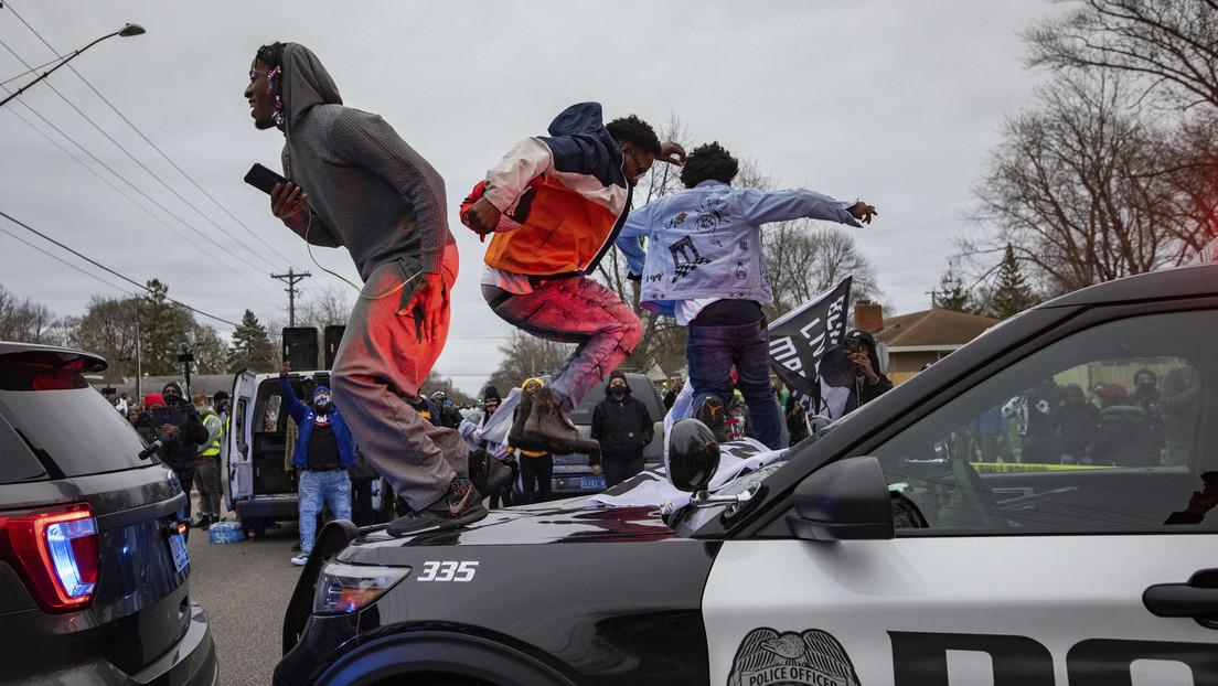 VIDEOS: Protesta contra la muerte de un afroamericano de 20 años por la Policía se torna violenta en EE.UU.