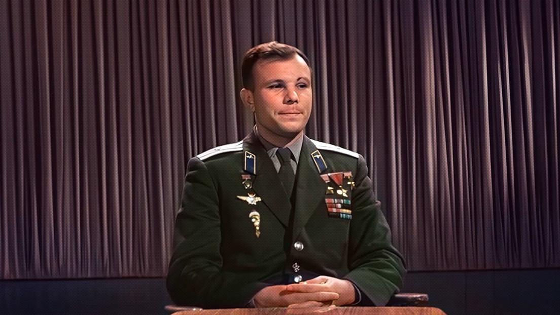 A todo color: Yuri Gagarin felicita al pueblo soviético y al mundo durante el primer Día de la Cosmonáutica