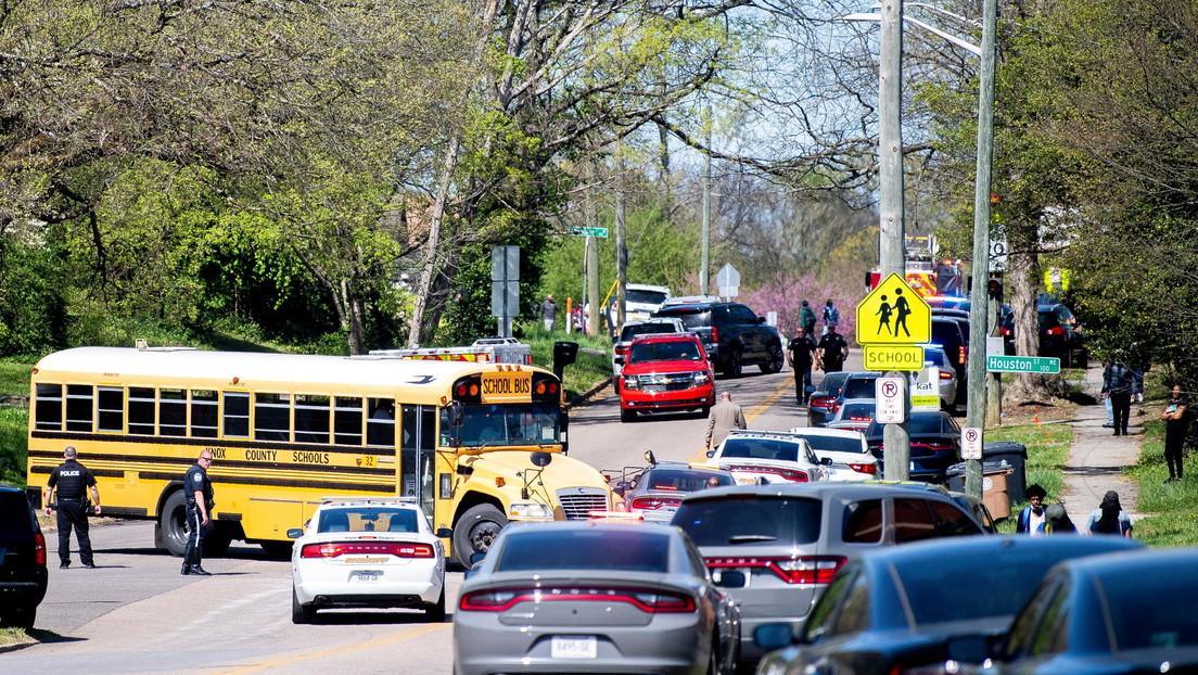 Un tiroteo en una escuela secundaria en Tennessee deja al menos un muerto y un policía herido