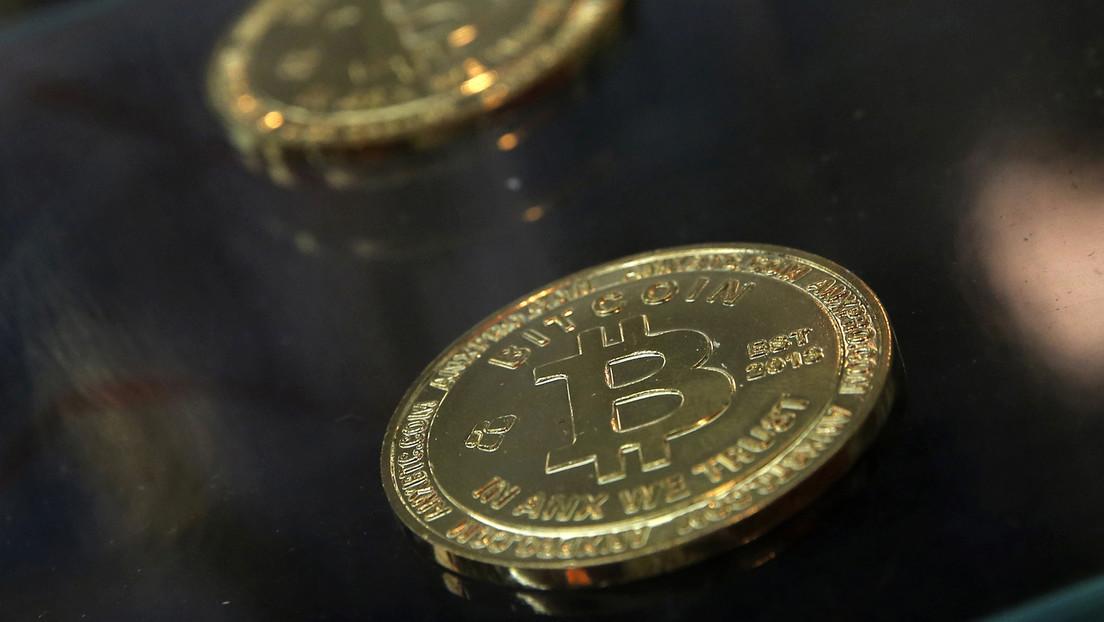 El bitcóin bate un nuevo récord de cotización al superar los 62.000 dólares