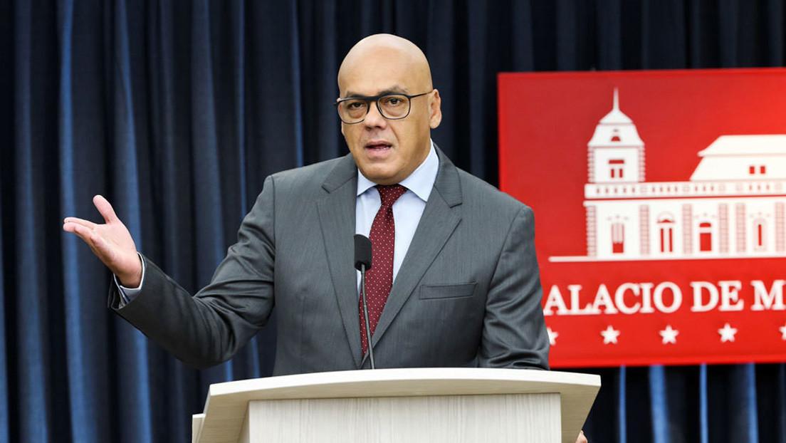 Jefe del Parlamento venezolano devela presunta trama de corrupción vinculada a la oposición aliada de Guaidó