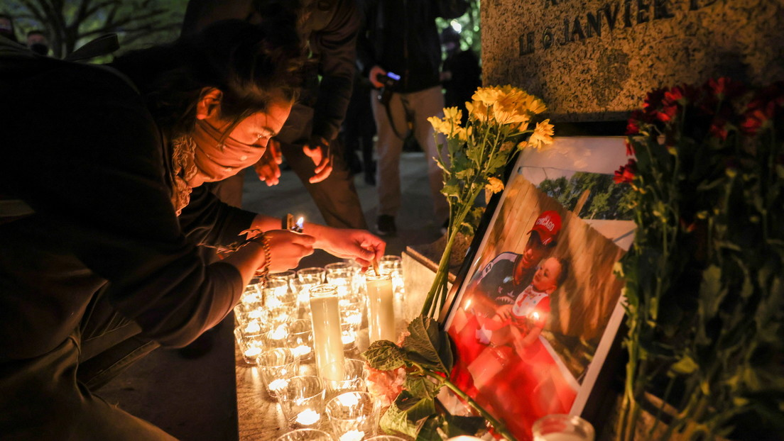 Renuncia Kim Potter, la agente de Policía que disparó fatalmente al afroamericano Daunte Wright