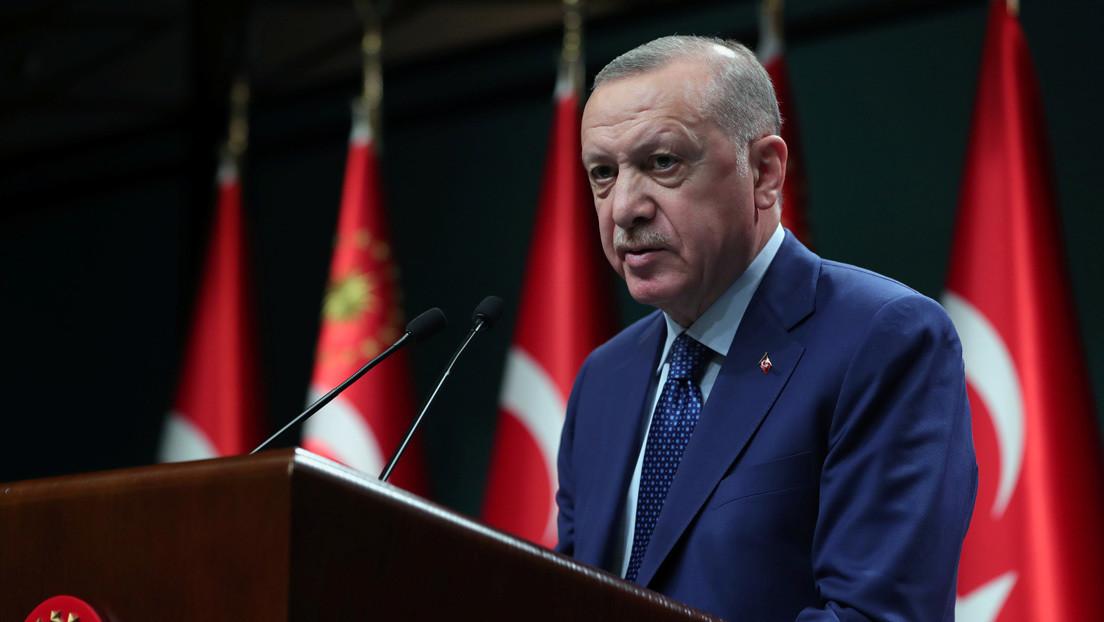 """Erdogan califica de """"grosería"""" las declaraciones del primer ministro de Italia en las que este lo llamó """"dictador"""""""