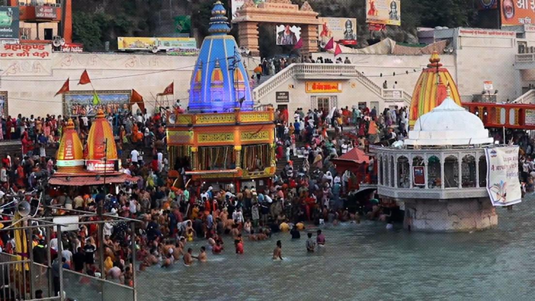 Más de 1.000 personas dan positivo al covid-19 en 48 horas durante un multitudinario festival religioso en la India
