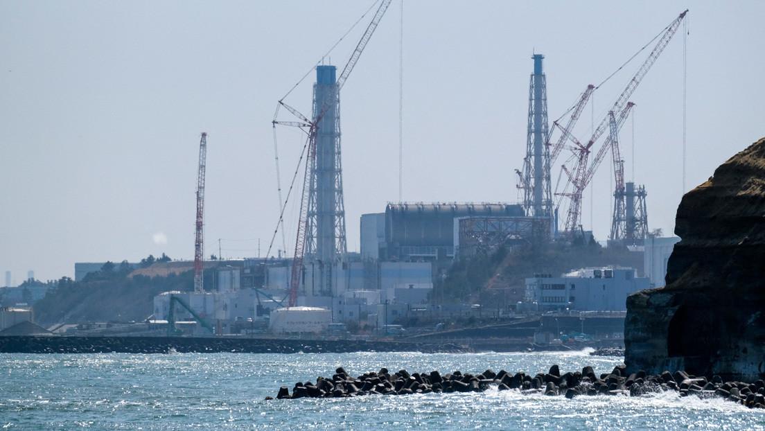 China desafía a funcionario japonés a beber agua de Fukushima si es tan segura como para ser vertida al mar