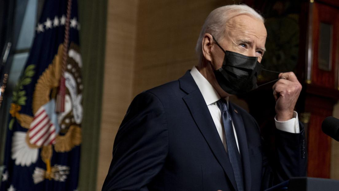 """VIDEO: Biden confunde el apellido de Putin y la palabra """"escalada"""" con """"vacunación""""  durante su anuncio de las nuevas sanciones contra Rusia"""