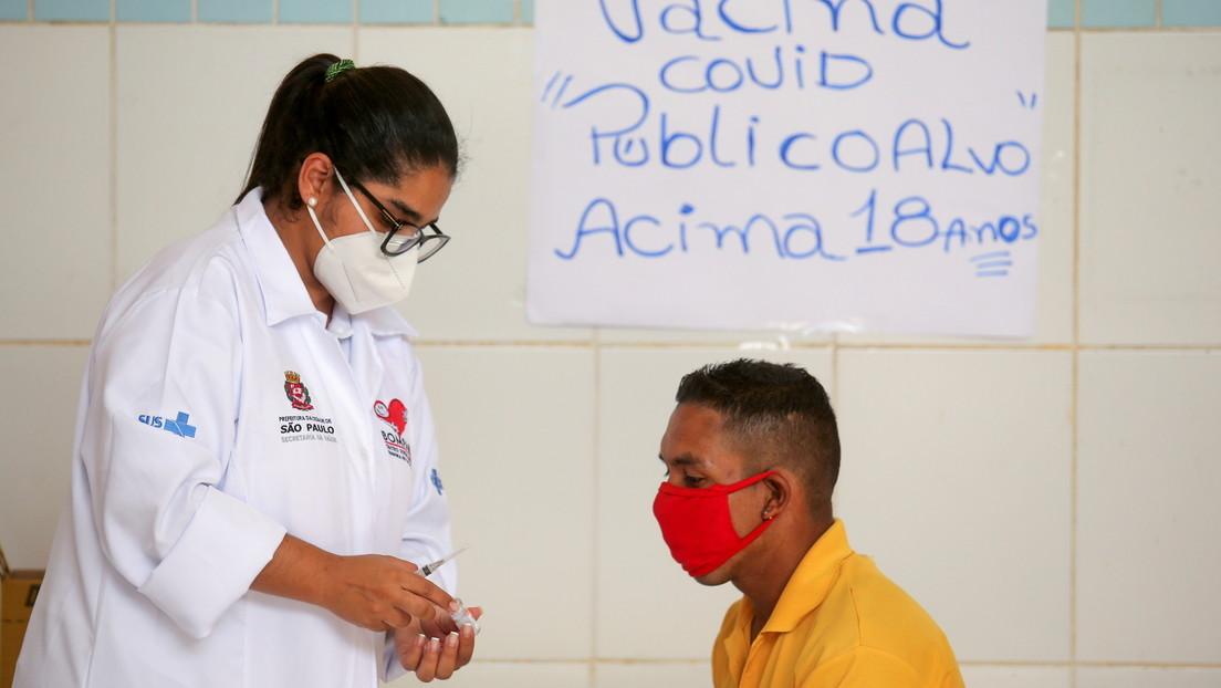 Más de 150 personas, entre ellas 33 niños y dos embarazadas, son vacunadas por error contra el covid-19 en Brasil