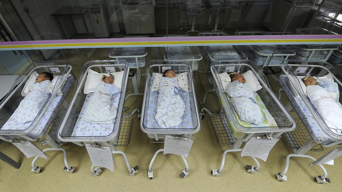 El Banco Central de China recomienda eliminar el control de la natalidad para no perder la ventaja económica sobre EE.UU.