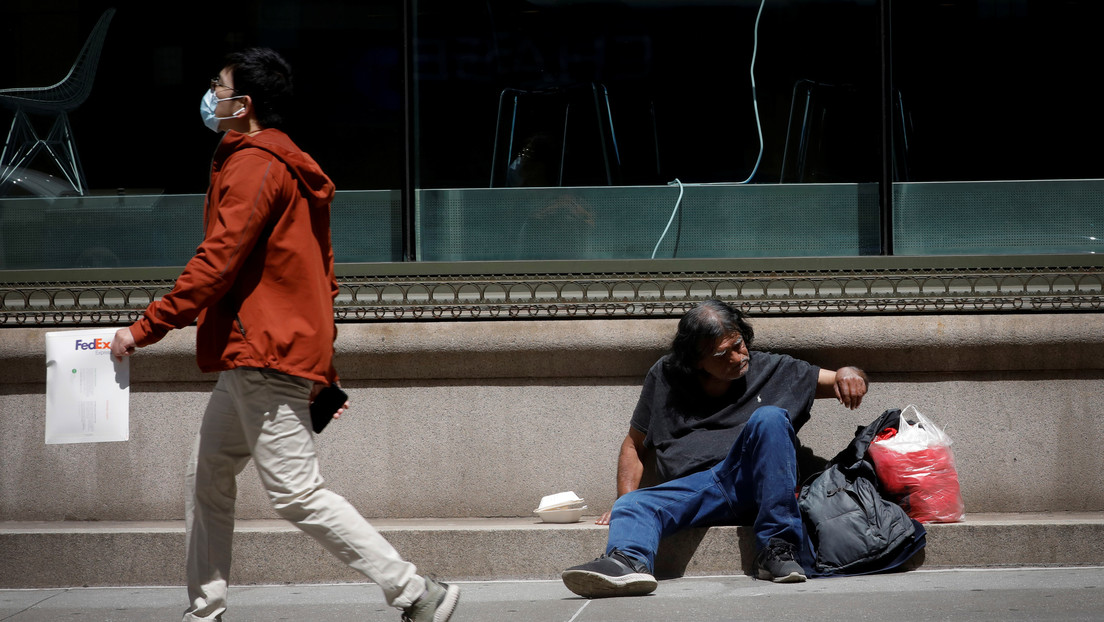 """Bloomberg predice que la pandemia dejará """"cicatrices duraderas"""" en la economía global incluso tras la recuperación"""