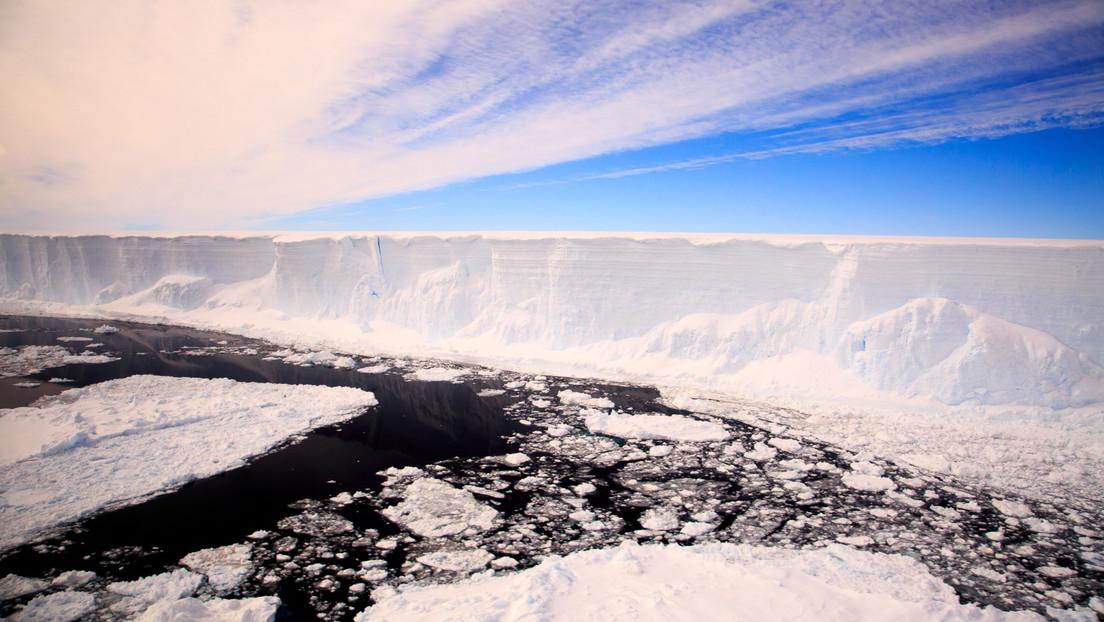 Se derrite el iceberg de la Antártida considerado el más grande del mundo