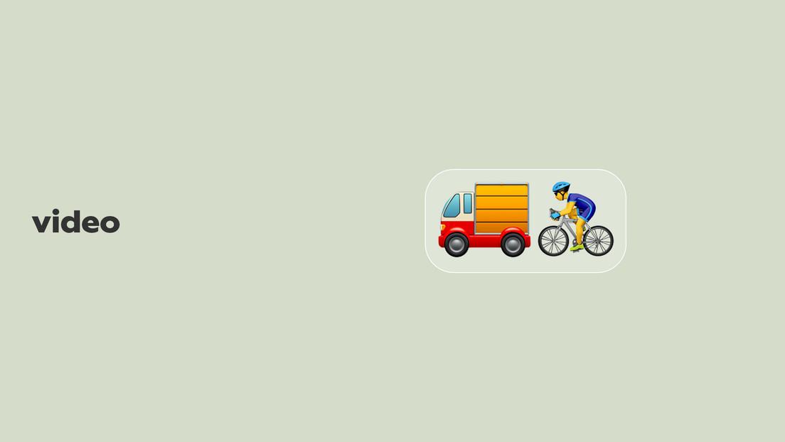 VIDEO: Se tira de su bicicleta y se salva por centímetros de ser atropellada por un camión a toda marcha
