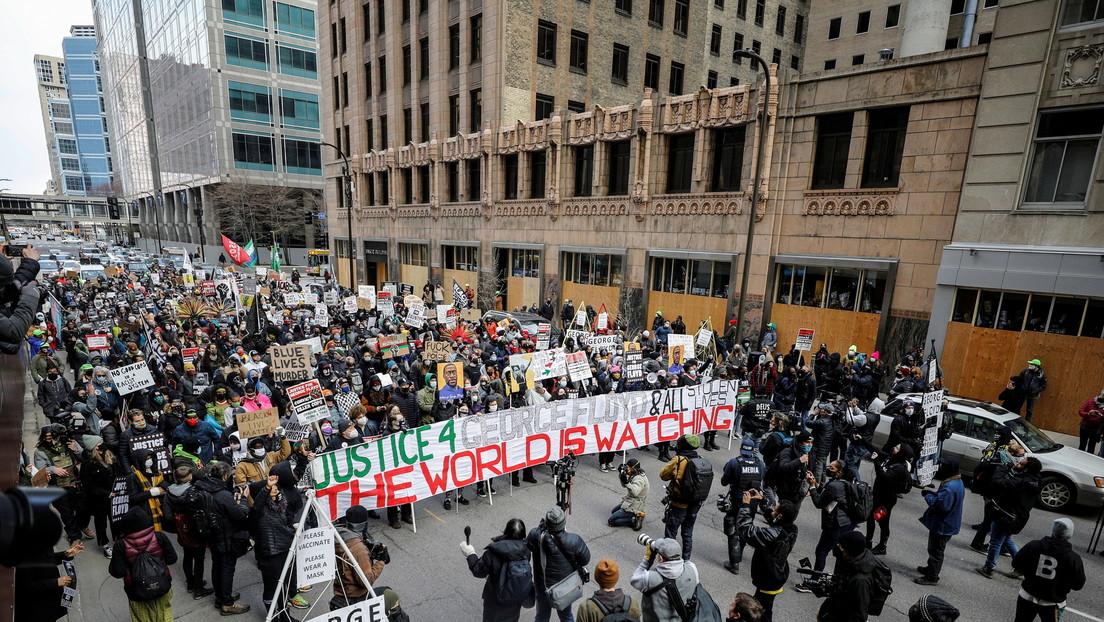 Manifestación en Mineápolis a la espera del veredicto del juicio por la muerte de George Floyd