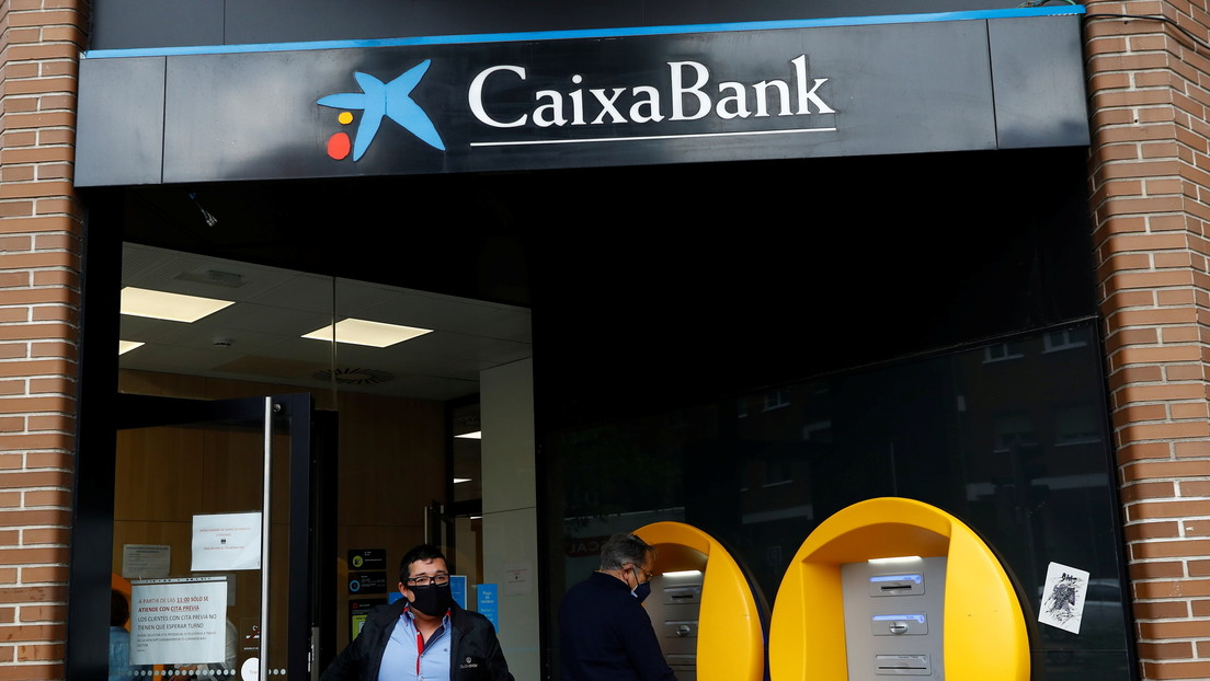 CaixaBank planea el mayor despido colectivo de la historia de la banca en España
