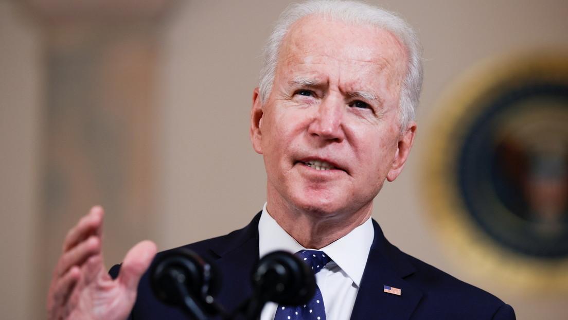 """Biden afirma que """"el racismo sistémico es una mancha en el alma"""" de EE.UU. y califica el veredicto contra Derek Chauvin como """"muy poco común"""""""