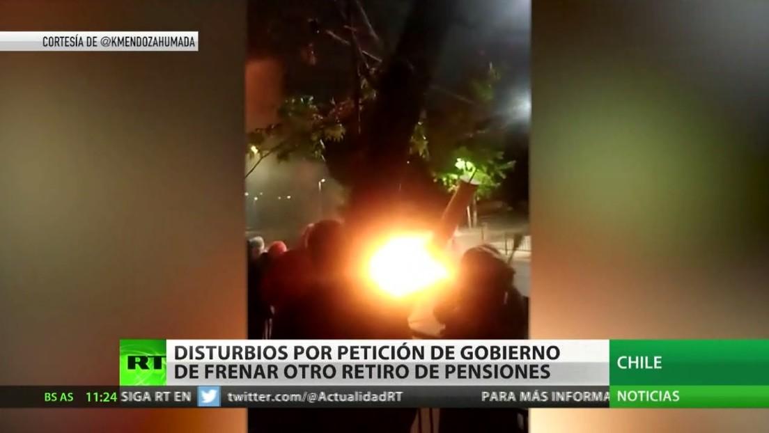 Disturbios en Chile por la petición del Gobierno de frenar otro retiro de pensiones