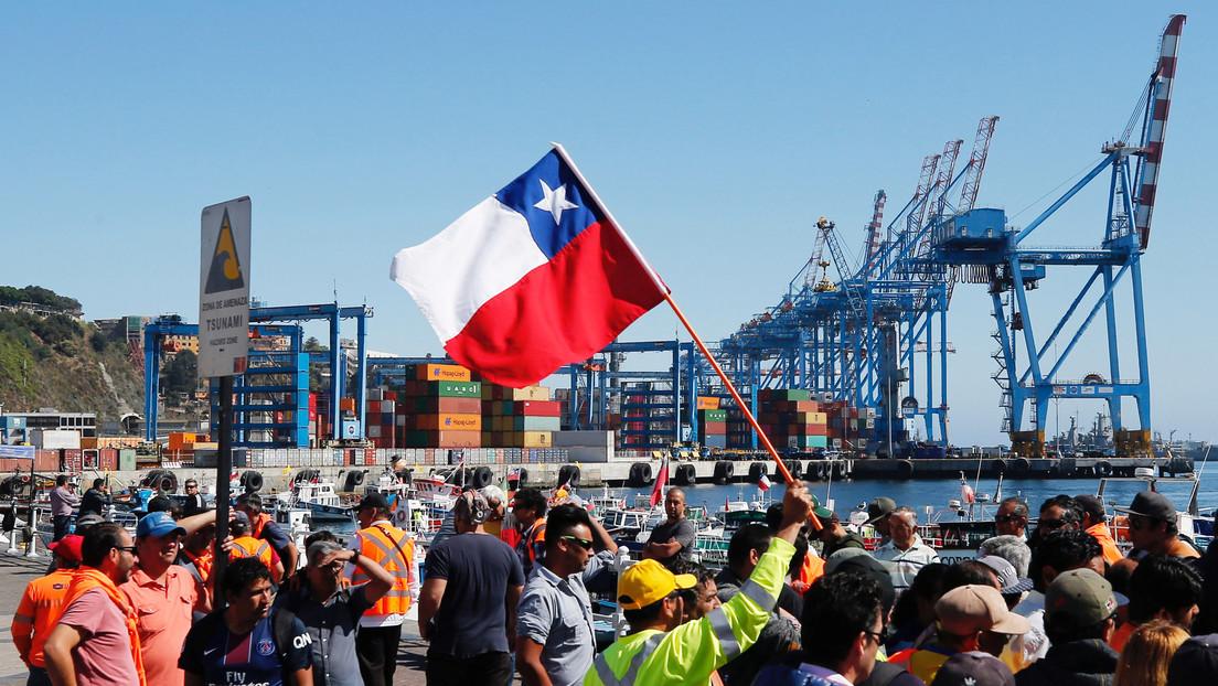 Sindicatos chilenos se declaran en huelga hasta que Piñera revierta 'freno' al tercer retiro de las AFP