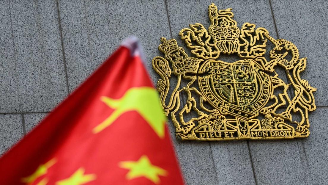 El Parlamento británico califica del genocidio las acciones del Gobierno chino en Xinjiang y así es la respuesta de Pekín