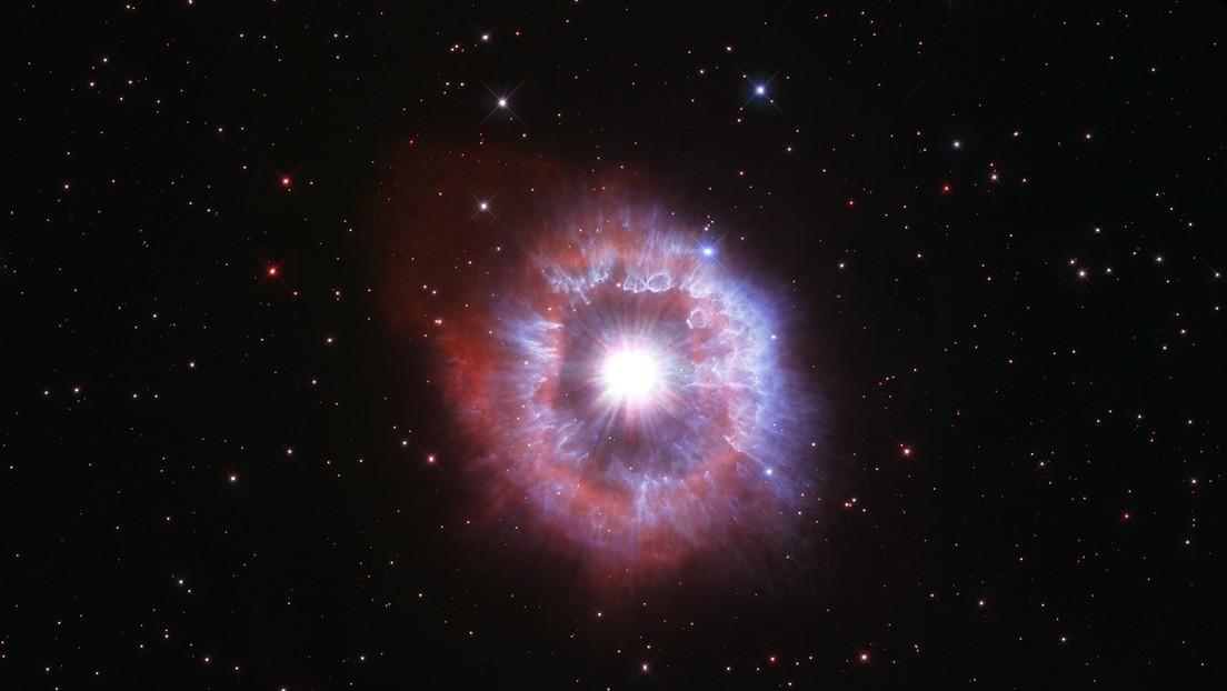 El Hubble capta una impresionante imagen de una rara estrella al borde de la destrucción para celebrar sus 31 años en el espacio