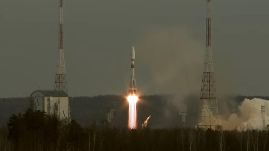 VIDEO: Un Soyuz-2.1b despega del cosmódromo Vostochny con 36 satélites de comunicación OneWeb a bordo