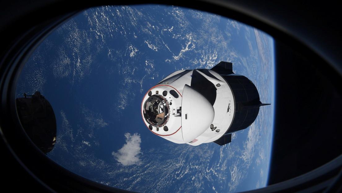 """VIDEO: Un """"objeto desconocido"""" casi choca contra la Crew Dragon de SpaceX con 4 astronautas a bordo"""