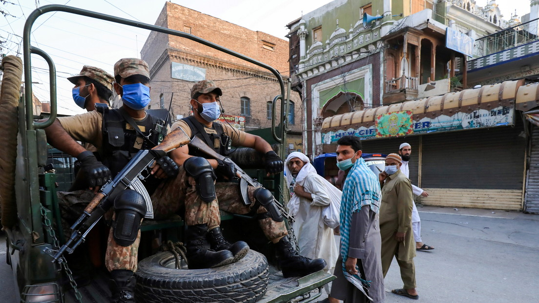 Pakistán despliega a sus tropas para hacer cumplir las medidas anticovid