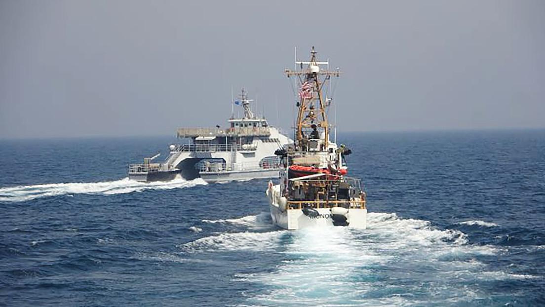 WSJ: Barcos iraníes rodearon a dos naves de la Guardia Costera de EE.UU. en el golfo Pérsico a principios de abril