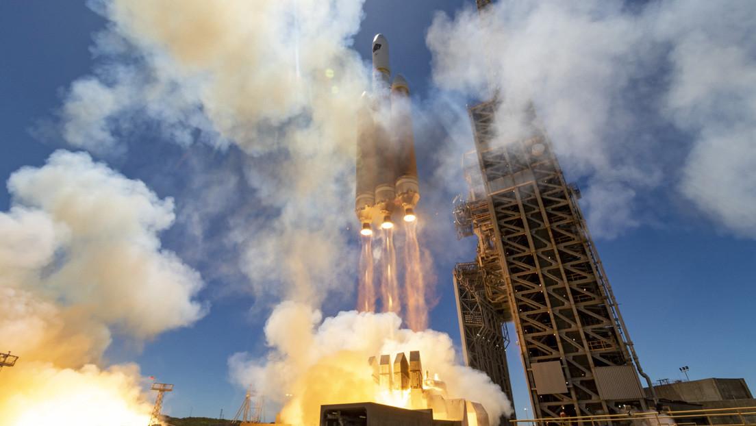 EE.UU. pone en órbita un nuevo satélite de reconocimiento a bordo de un gigantesco cohete