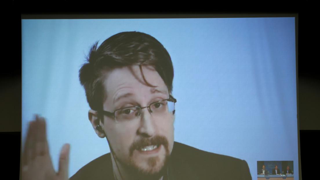 Edward Snowden critica al anfitrión de una conferencia sobre inversiones en pleno evento por ejecutar una estafa piramidal (VIDEO)
