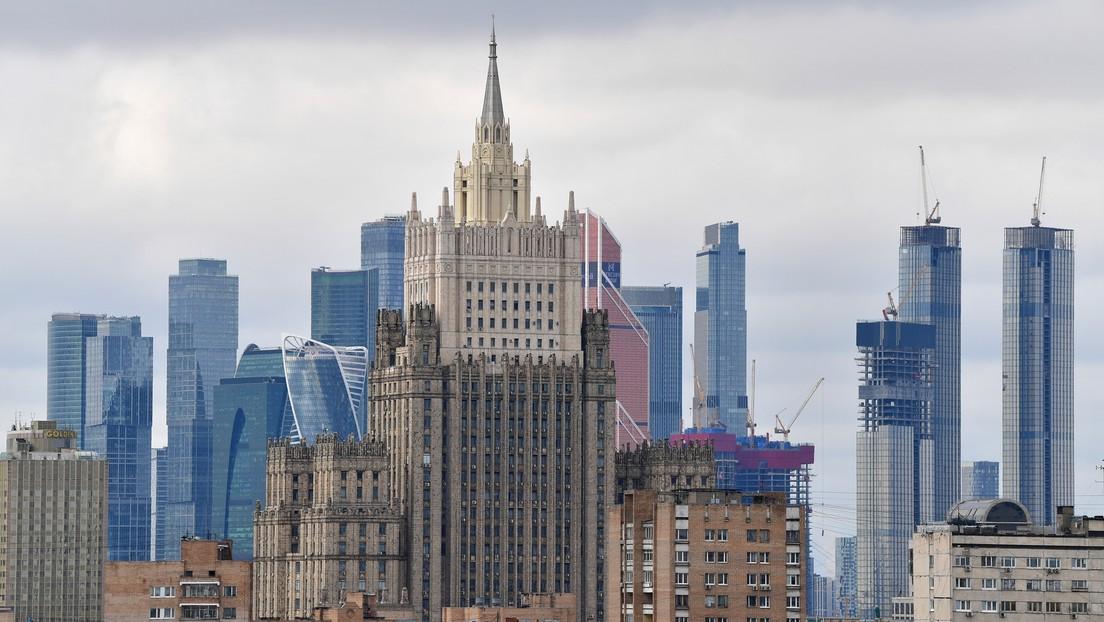 """Rusia anuncia que """"no tolerará el comportamiento"""" de República Checa, Bulgaria y los países bálticos tras la expulsión de varios diplomáticos rusos"""