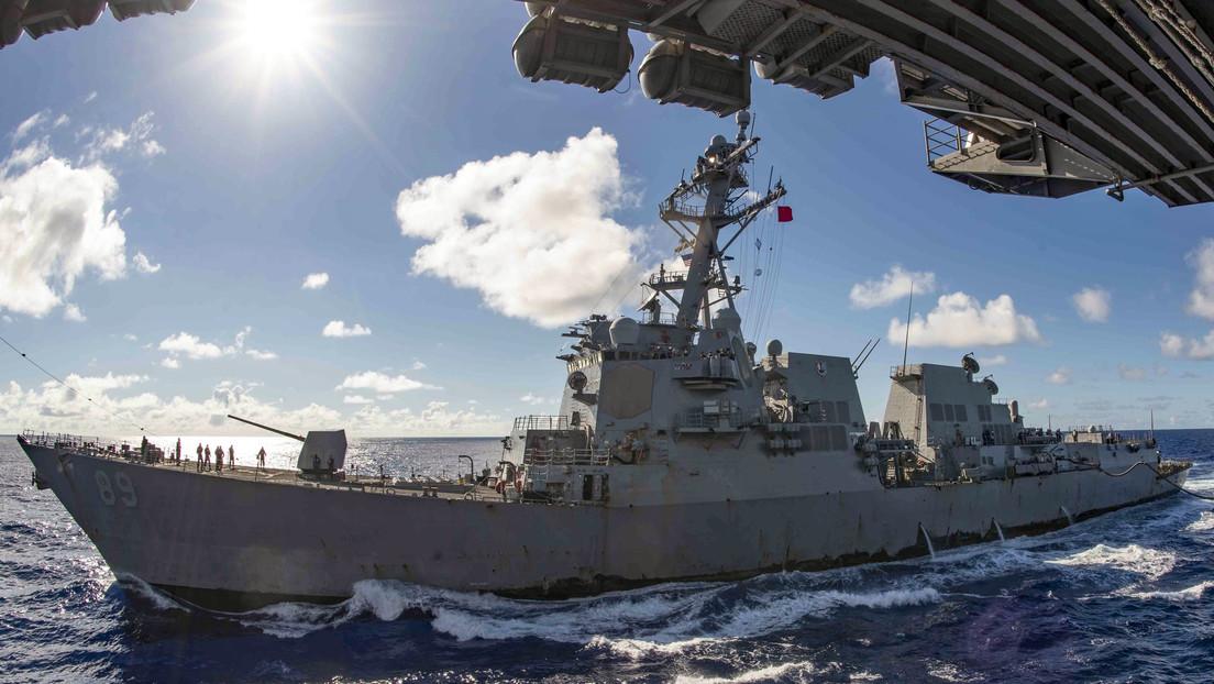 """China denuncia que un destructor de EE.UU. """"interrumpió gravemente"""" unos ejercicios de sus buques de guerra"""