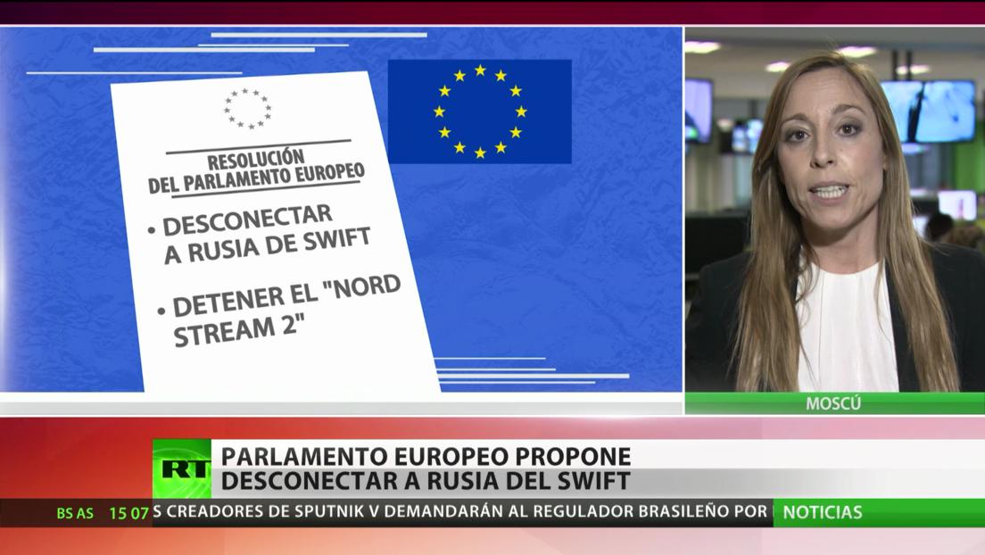 El Parlamento Europeo propone desconectar a Rusia del sistema bancario SWIFT