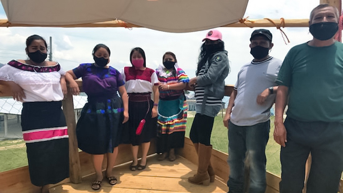 El Escuadrón 421: ¿quiénes forman la delegación del Ejército Zapatista que zarpa en la histórica 'Travesía por la vida' rumbo a Europa?