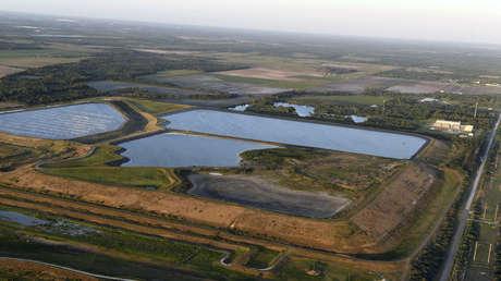 """""""Salgan ahora"""": Declaran emergencia en Florida ante el colapso """"inminente"""" de una represa con agua contaminada"""