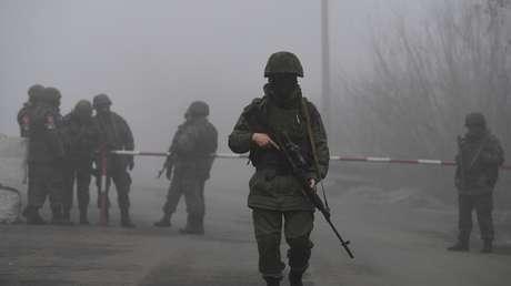 Lavrov critica la reacción de Occidente al traslado de tropas ucranianas a la línea de contacto en la región de Donbass