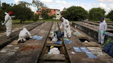 """""""Es un Fukushima biológico"""": Destacado neurocientífico alerta de la situación en Brasil tras superar las 4.000 muertes diarias por covid-19"""