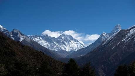 El coronavirus conquista la montaña más alta del mundo: registran el primer contagio en el campamento base del Everest