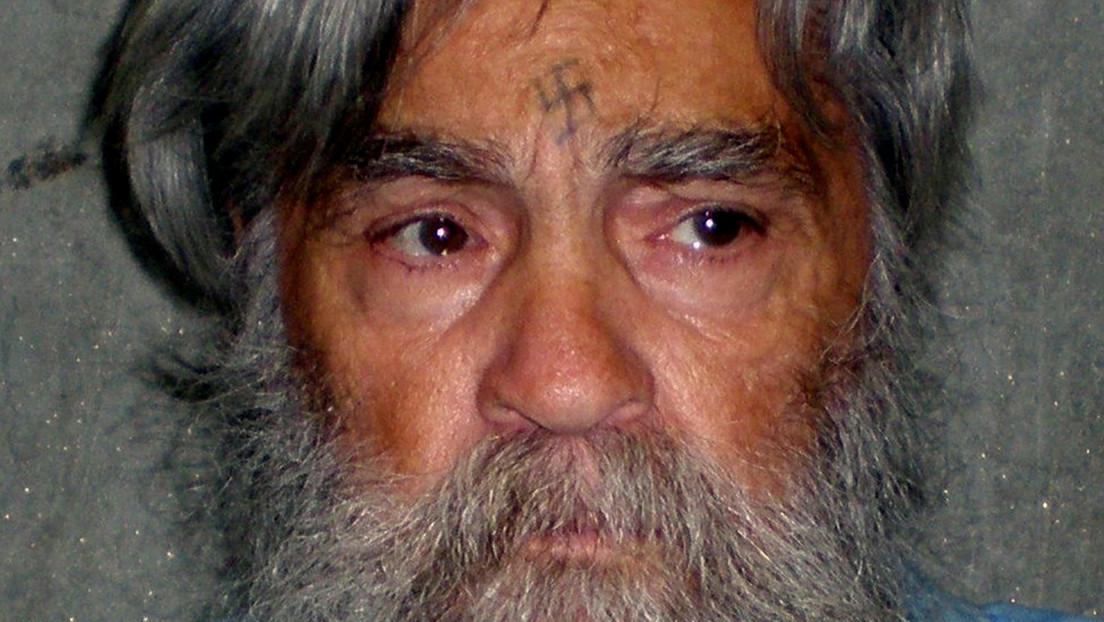 Ponen a la venta la ficha policial de Charles Manson, uno de los asesinos más famosos de EE.UU.