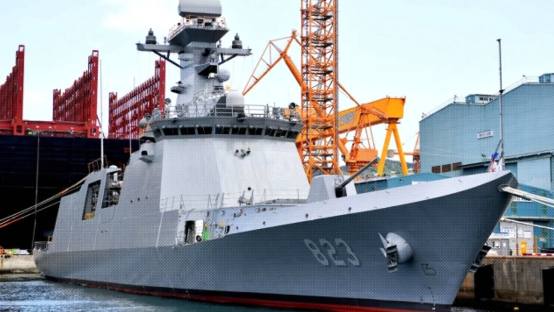 """Seúl bota una nueva fragata con capacidades antisubmarinas mejoradas que se desempeñará como """"su acorazado principal"""""""