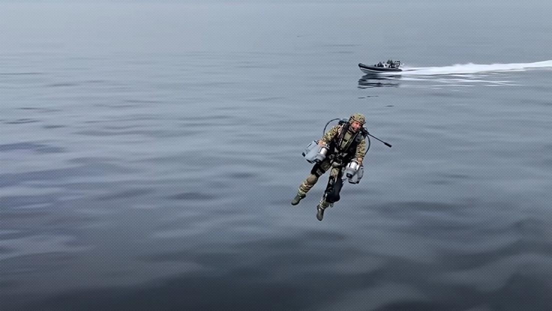 VIDEO: Militares británicos prueban con éxito trajes voladores y muestran cómo podrían ser las operaciones militares del futuro