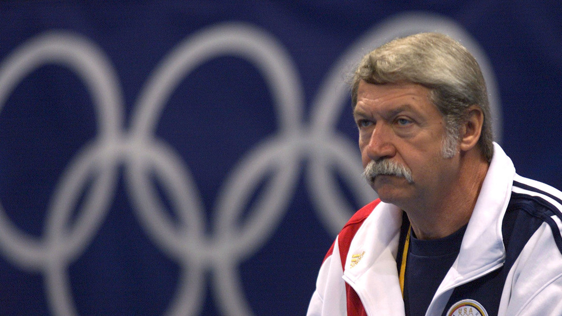 Archivos secretos acusan al entrenador de Nadia Comaneci y otras estrellas olímpicas de privarlas de agua y comida y abusarlas físicamente