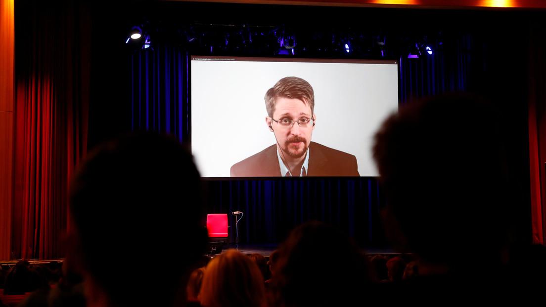 """Snowden critica a la Administración Biden por buscar encarcelar a Assange y a la vez jactarse de su devoción por la """"libertad de prensa"""""""