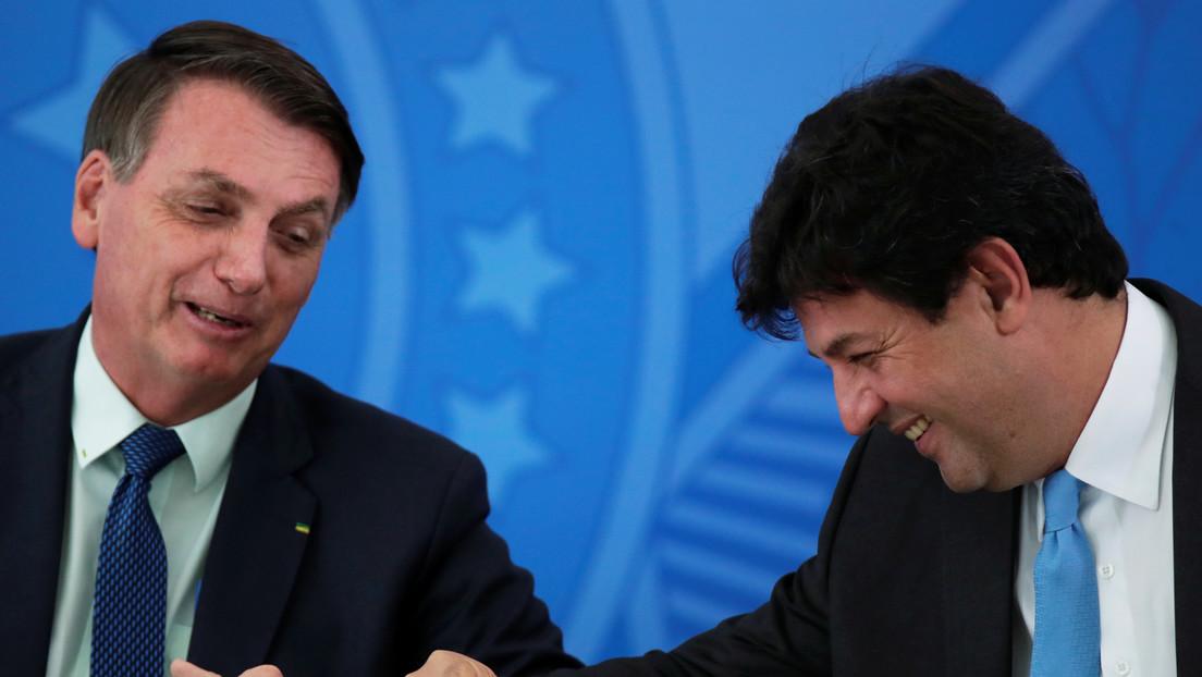 """Exministro de Salud brasileño dice que Bolsonaro contaba con """"asesores paralelos"""" en la gestión del covid-19"""